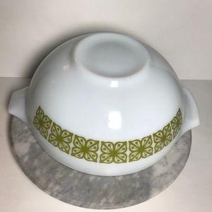 Vintage Pyrex Verde Cinderella Bowl 4 qt 444